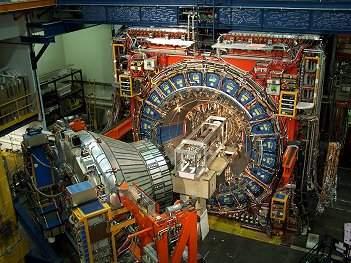 Quinta força fundamental da natureza ou nova partícula?