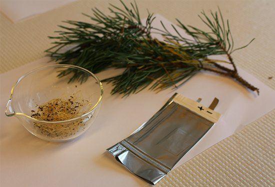 Bateria de lítio totalmente reciclável com alfafa e pinus