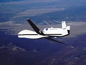 Avião robótico faz primeiro voo a serviço da ciência