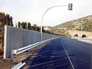 Pneus velhos viram painéis acústicos para estradas