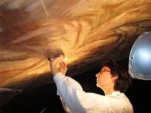 Bactérias limpam obras de arte