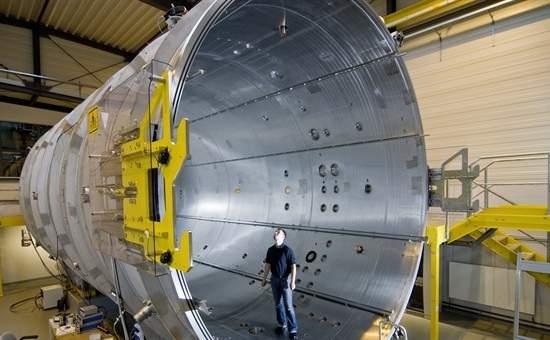 Túnel espacial vai permitir testar propulsão elétrica