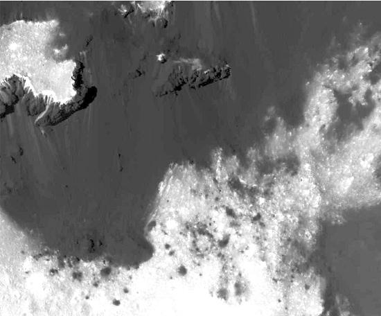 Pontos brilhantes de Ceres vistos em detalhe total