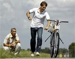 Cientistas afirmam ter descoberto como a bicicleta funciona