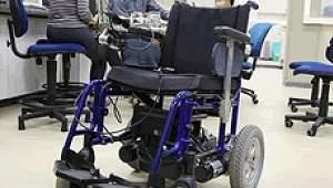 Cadeira de rodas elétrica ficará mais barata com peças nacionais