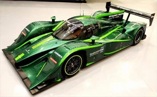 Carro de corrida elétrico bate recorde mundial de velocidade