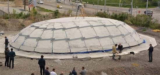 Domos de concreto construídos sem estruturas de apoio