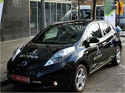 Carros elétricos terão buzina direcional para cada pedestre