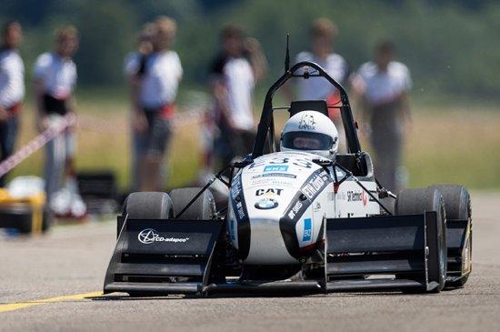 Carro elétrico de estudantes bate recorde mundial de aceleração