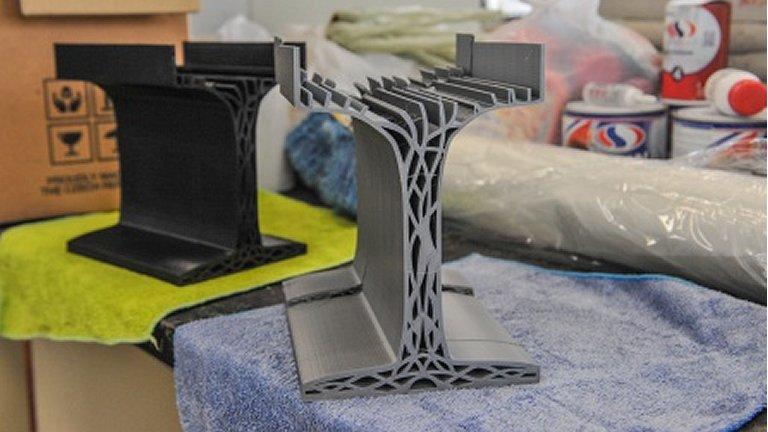 Vigas de plástico superam vigas de concreto e de aço