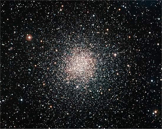 Asilo de estrelas tem moradoras estranhamente jovens