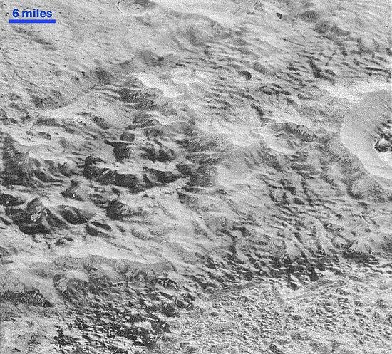 Plutão: Chegam imagens de mais alta resolução