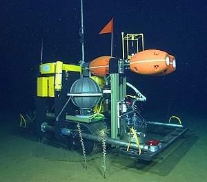 Robô com esteiras começa a explorar o leito oceânico