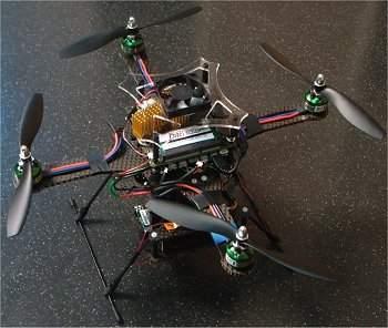 Quadricóptero autônomo é um verdadeiro olho voador inteligente