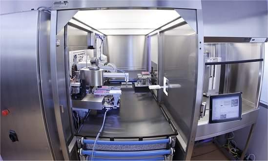 Robô cientista cultiva e analisa células