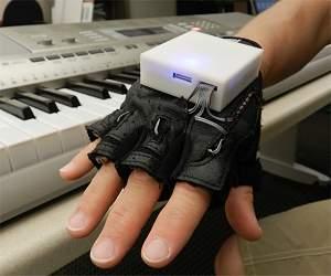 Luva musical melhora sensação e mobilidade de tetraplégicos
