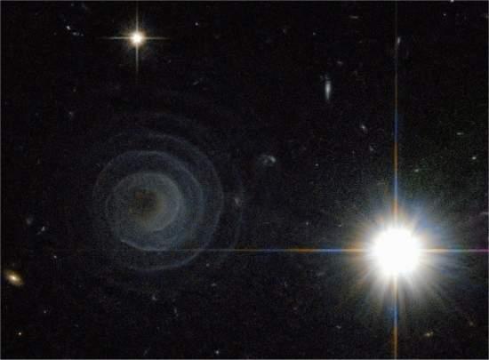 Hubble descobre uma misteriosa espiral celeste