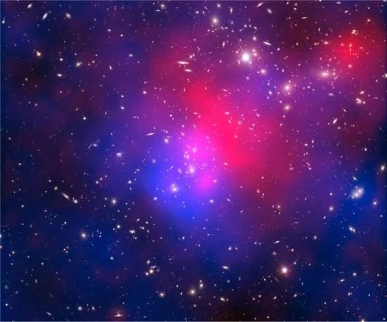 Astrônomos observam colisão de aglomerados de galáxias