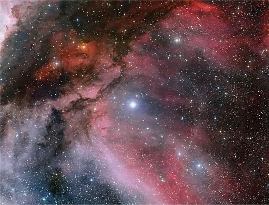 Astrônomos captam imagem de uma rara estrela de Wolf-Rayet