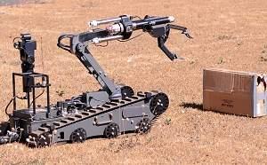 Polícia Federal mostra robô antibomba para a Copa de 2014