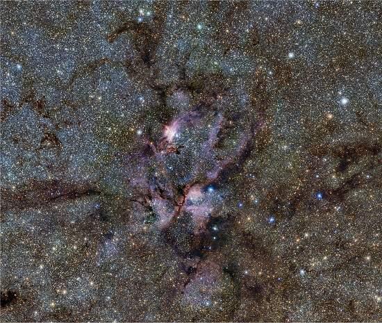 Nebulosa da Lagosta é uma maternidade de estrelas